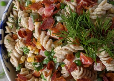 Pastasalat Med Karry & Bacon