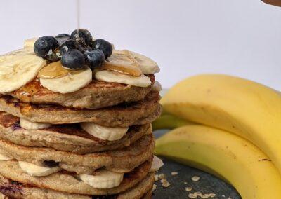 Sunde Banan Pandekager Med Blåbær & Sirup