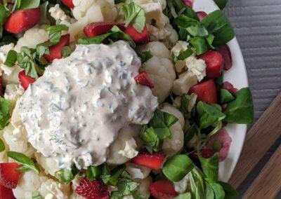 Blomkåls Salat Med Jordbær & Urte Dressing